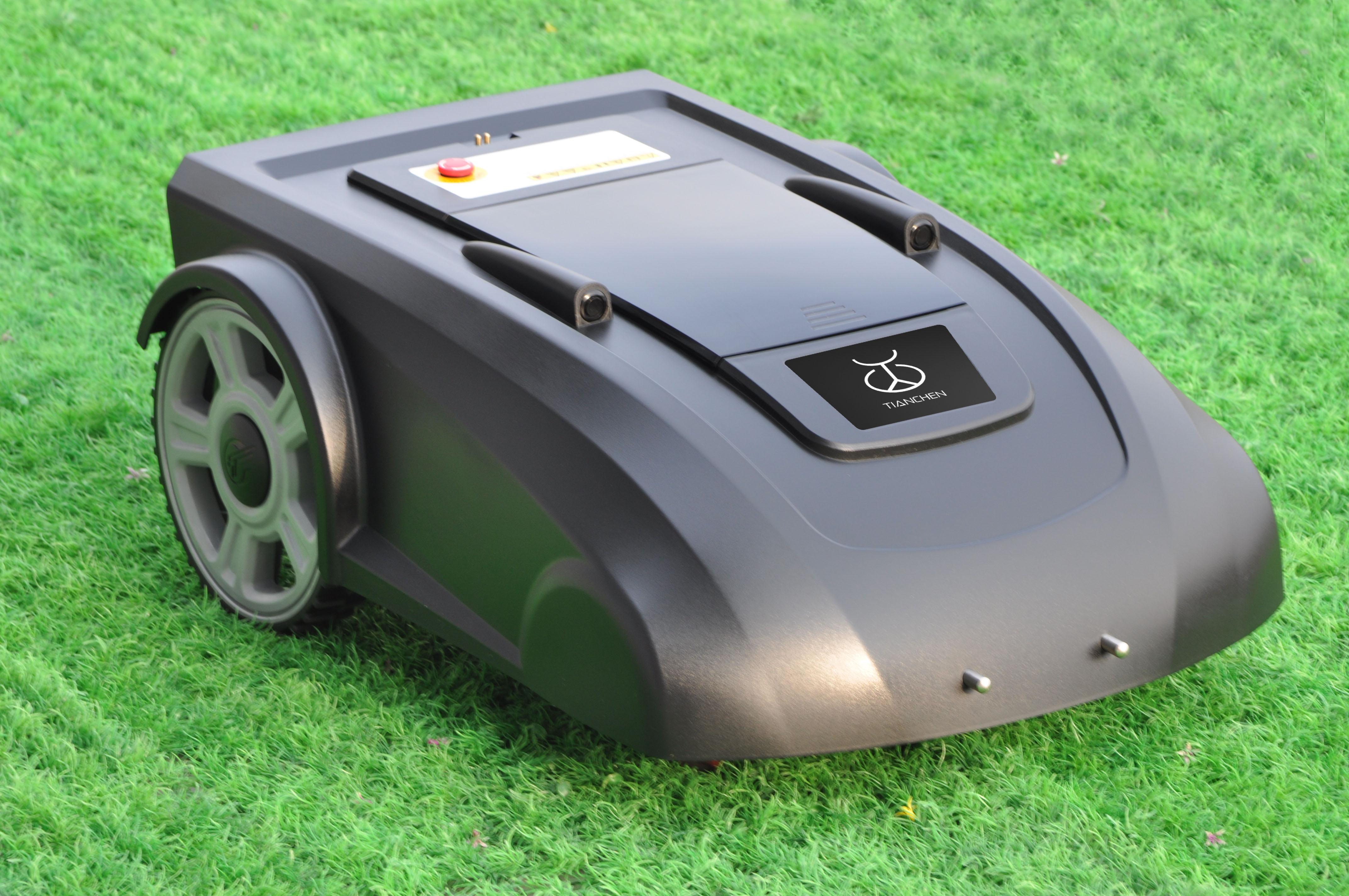 Một máy cắt cưỡi phù hợp mọi bãi cỏ